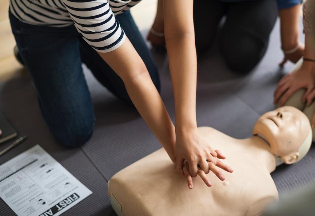 Curiosidades: O aumento da intensidade do trabalho cardíaco e o estreitamento dos vasos podem ocasionar um infarto