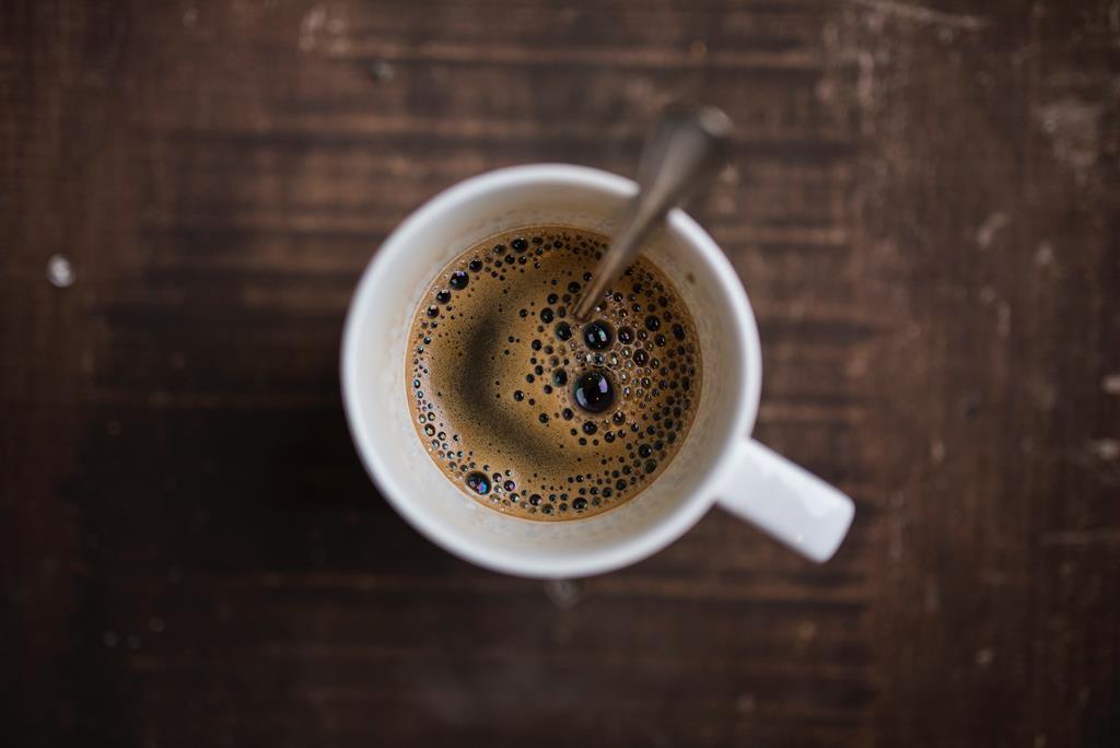 A cafeína pode aumentar a pressão arterial