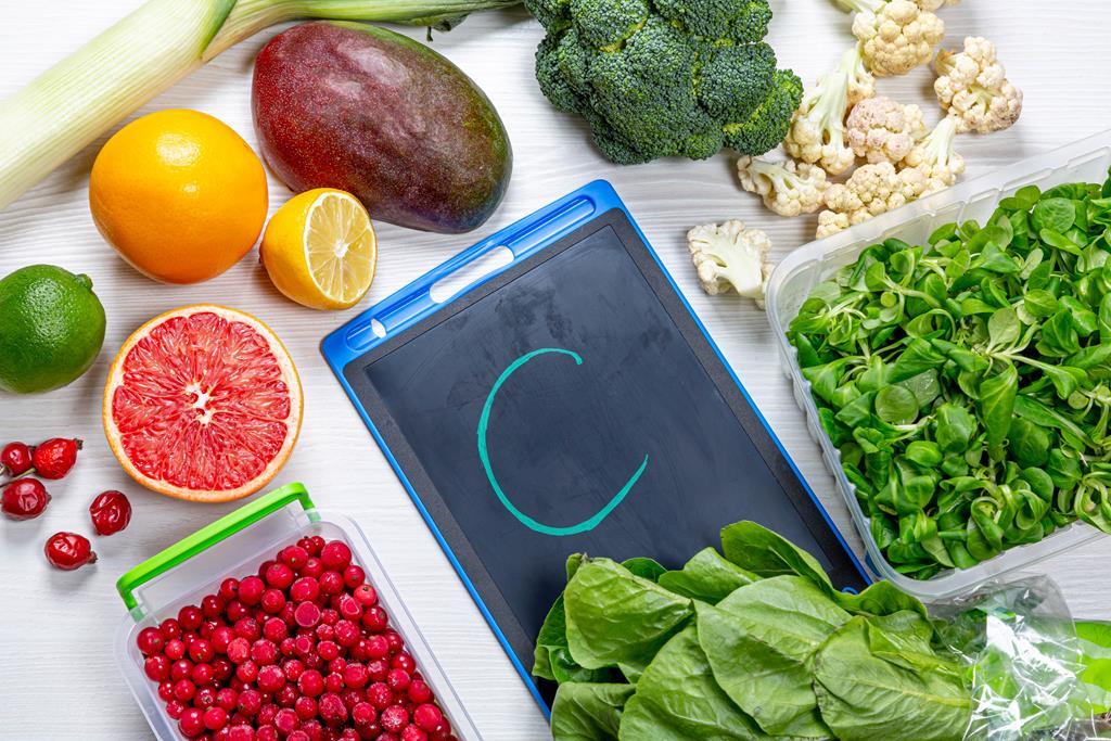 alimentos ricos em vitamina C previnem e tratam gripes e resfriados