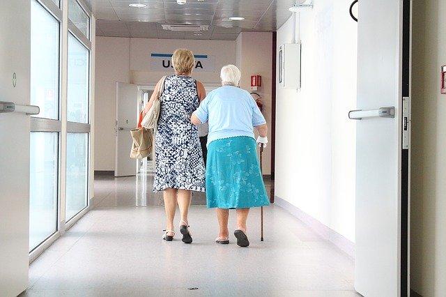 idosos não devem usar Nimesulida sem prescrição médica