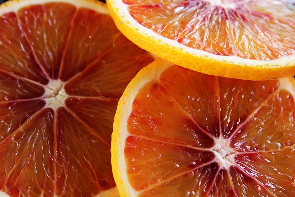 confira no texto abaixo quanto de vitamina C precisamos ingerir diariamente