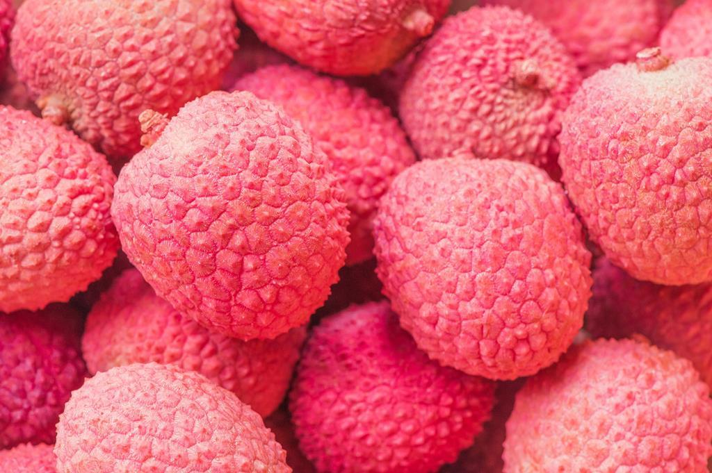 100g de lichia contém 7 mg de vitamina C