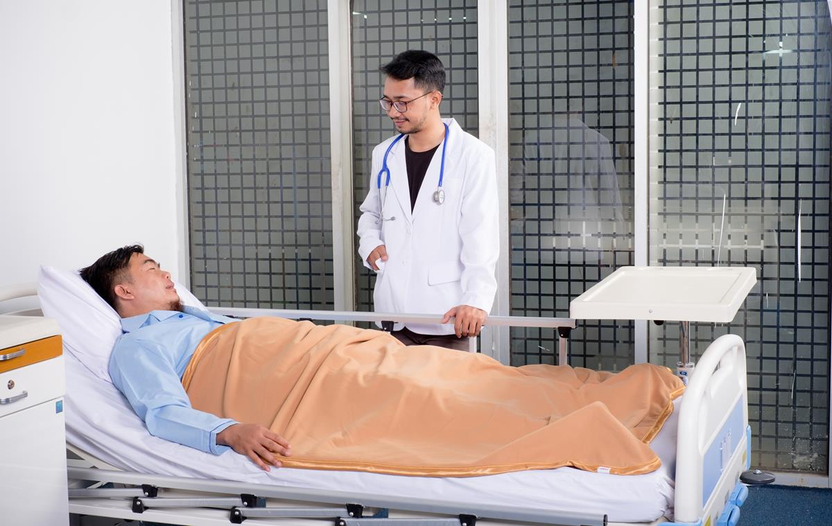 resultados encorajadores em ensaios clínicos em Wuhan e Shenzhen envolvendo 340 pacientes.