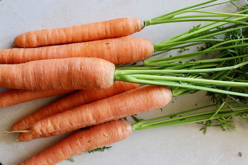 além de ser rica em vitamina C, a cenoura ainda conta com antioxidantes naturais