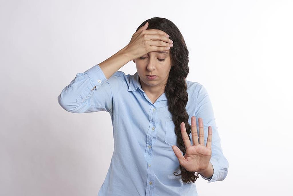 um dos sintomas colaterais do uso do viagra é a dor de cabeça