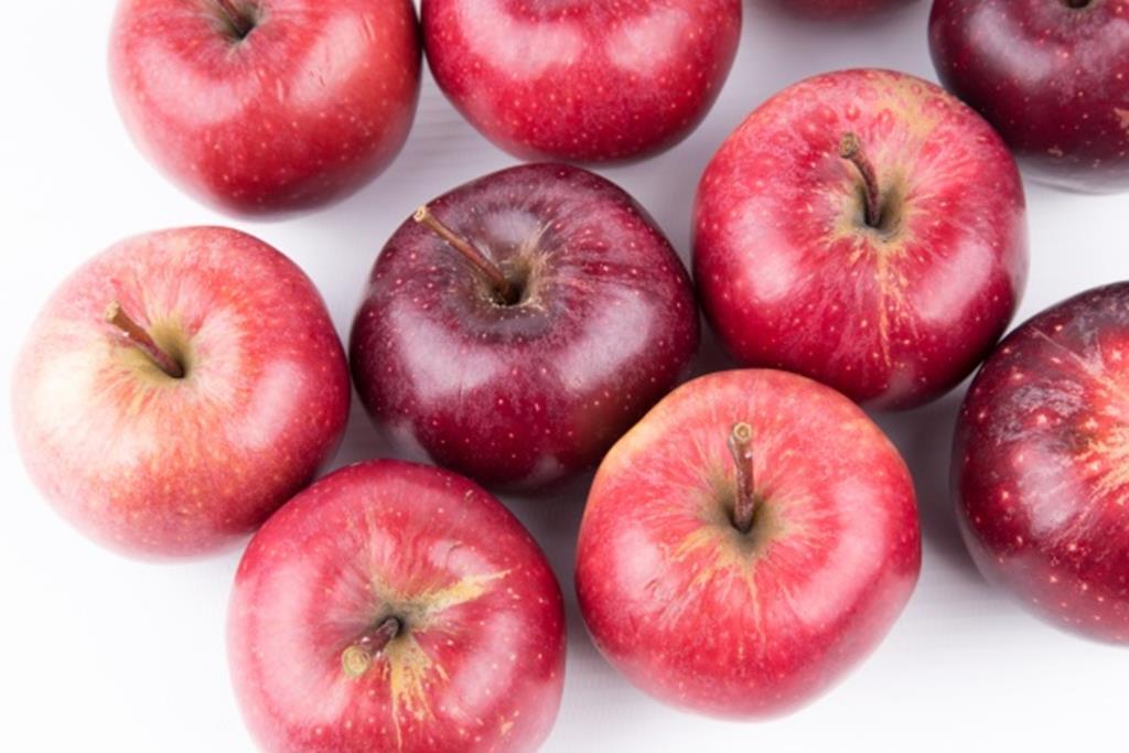 por ser rica em pectina, a maçã é uma ótima opção de frutas para diabéticos
