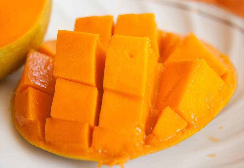 uma fruta bastante conhecida rica em vitamina A é a manga