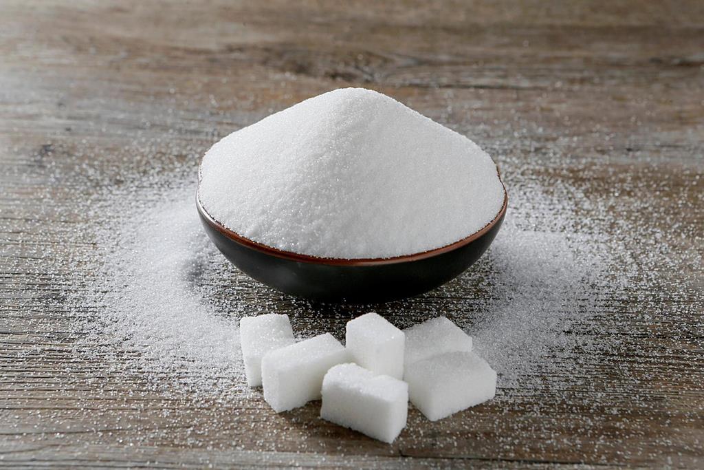 os alimentos light e diets são alimentos com menor ou nenhuma quantidade de gorduras, sódio ou açúcares