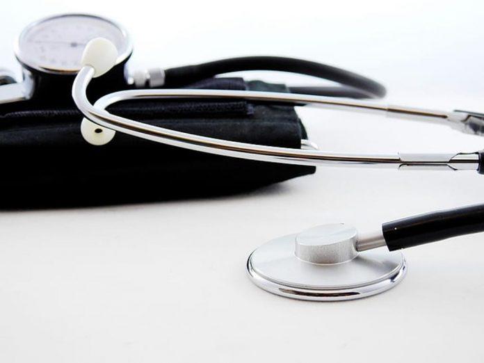 a pressão arterial é caracterizada pela pressão exercida nas artérias pelo coração