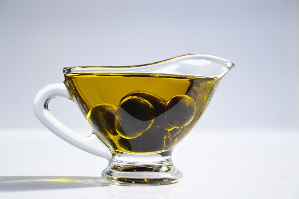 inclua o azeite na sua alimentação para diminuir o colesterol ruim