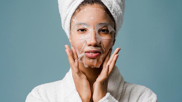 as máscaras caseiras podem ser bastante eficientes para remover as manchas na pele