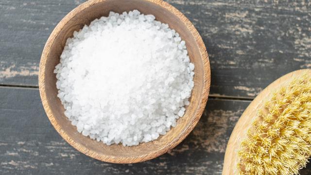 é importante diminuir o sal da dieta para evitar a retenção de líquidos